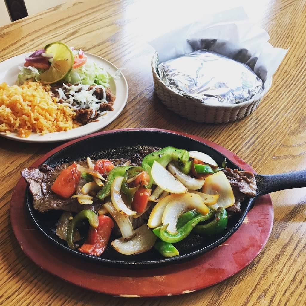 Taqueria Los Comales Lombard   restaurant   719 E Roosevelt Rd, Lombard, IL 60148, USA   6306561989 OR +1 630-656-1989