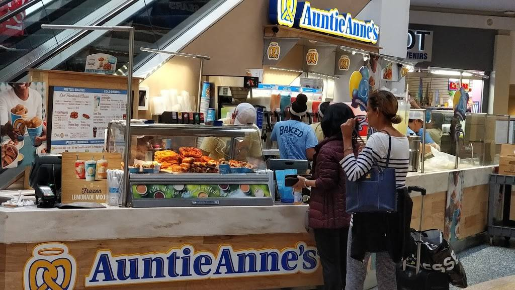 Auntie Annes Pretzels | cafe | 1129 Green Acres Mall, Space K01, Valley Stream, NY 11581, USA | 5165930440 OR +1 516-593-0440