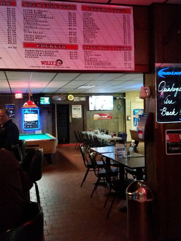 Willy Js Pub | night club | 599 Winthrop St, Taunton, MA 02780, USA | 5088805877 OR +1 508-880-5877