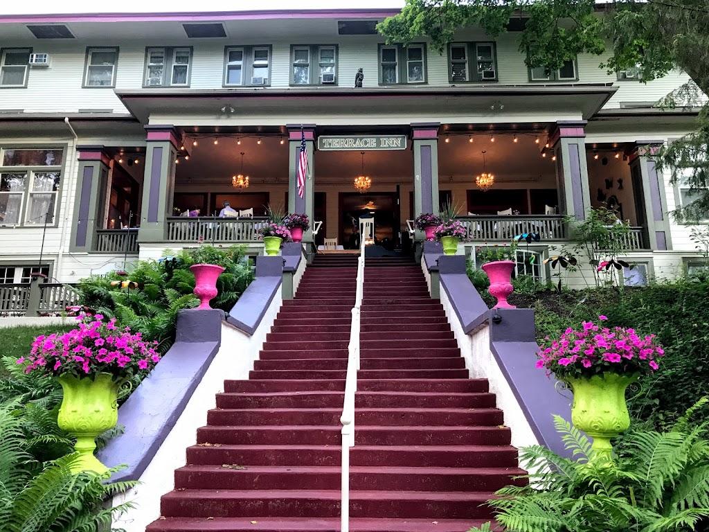 Terrace Inn & 1911 Restaurant | restaurant | 1549 Glendale Ave, Petoskey, MI 49770, USA | 2313472410 OR +1 231-347-2410