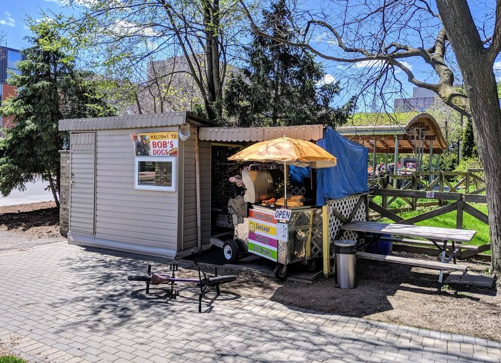 Bobs Dogs   restaurant   Guelph, ON N1G 1Y4, Canada