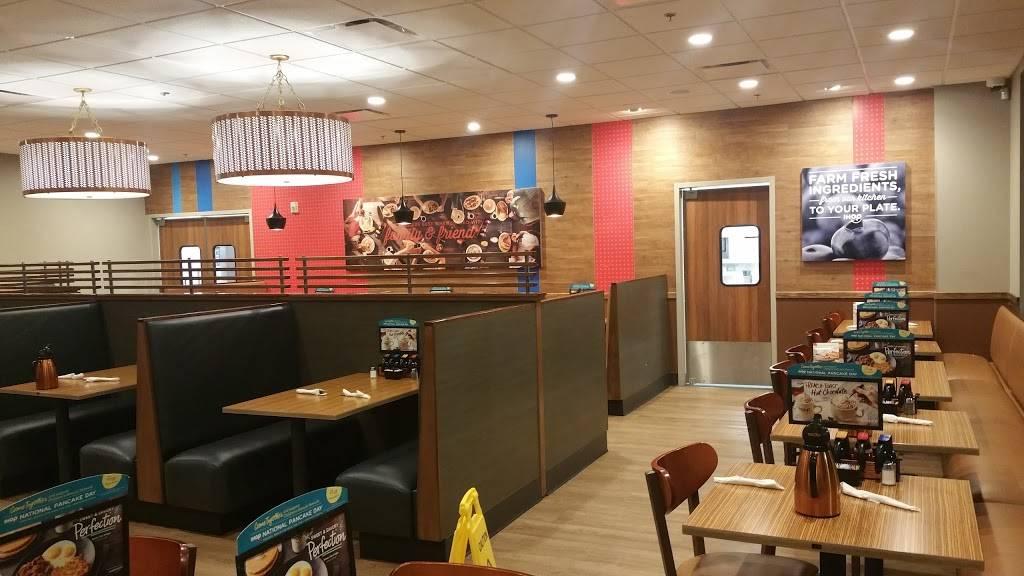 IHOP   restaurant   5815 Highland Shoppes Dr Suite 100, Charlotte, NC 28269, USA   7044644687 OR +1 704-464-4687