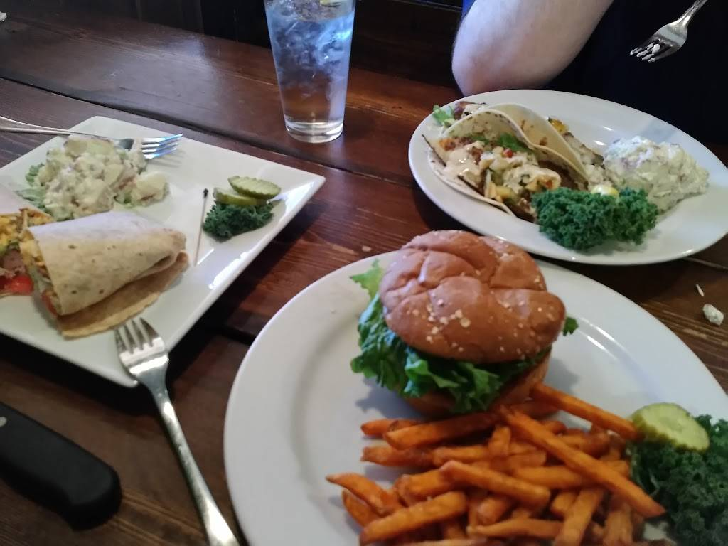 The Briar Patch Restaurant   restaurant   883 S Main St, Amherst, VA 24521, USA   4349462249 OR +1 434-946-2249