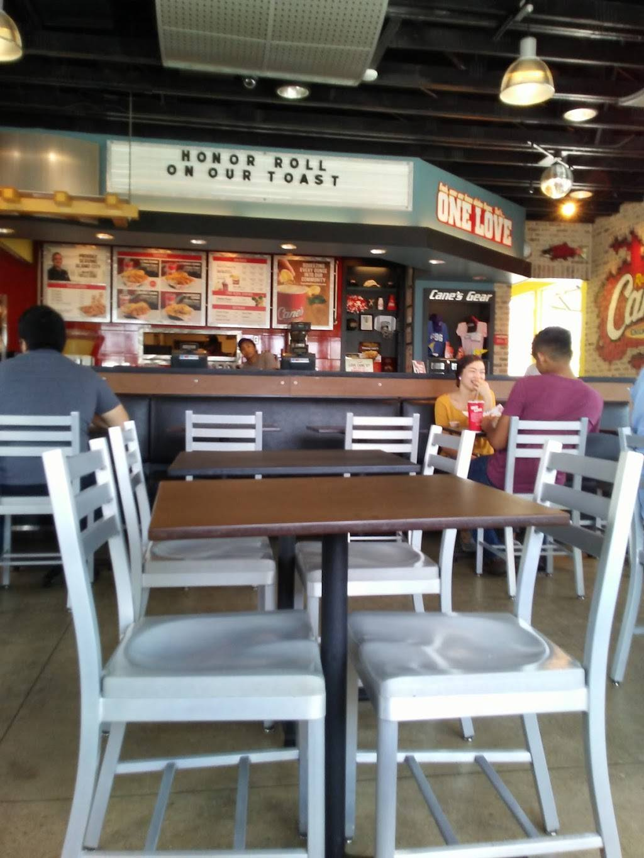 Raising Canes Chicken Fingers | meal takeaway | 8915 Potranco Rd, San Antonio, TX 78251, USA | 2106800303 OR +1 210-680-0303