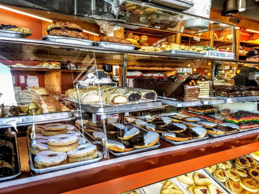 Canters Restaurant, Bakery, Deli and Bar | meal delivery | 419 N Fairfax Ave, Los Angeles, CA 90036, USA | 3236512030 OR +1 323-651-2030