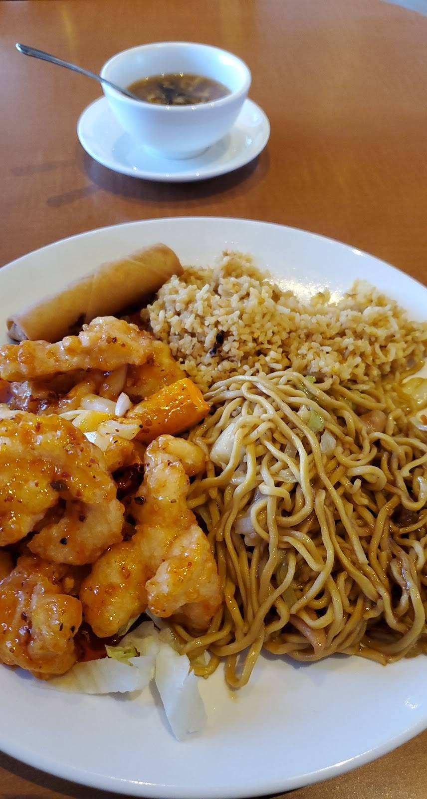 California Wok and Grill | restaurant | 9080 Laguna Main St, Elk Grove, CA 95758, USA | 9168952444 OR +1 916-895-2444