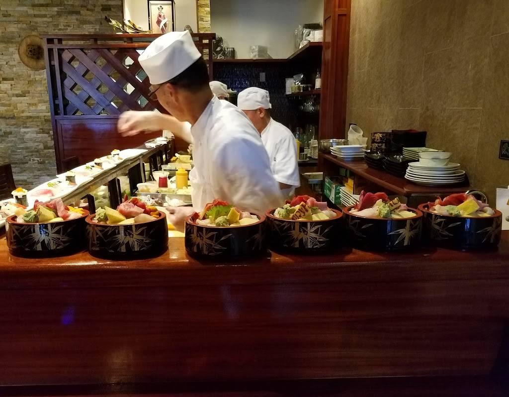Hachi Sushi | restaurant | 96 Linwood Dr, Fort Lee, NJ 07024, USA | 2015858858 OR +1 201-585-8858