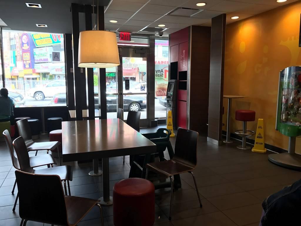 McDonalds | cafe | 40-12 National St, Corona, NY 11368, USA | 7186720369 OR +1 718-672-0369